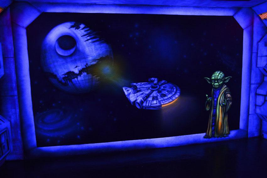 Laberinto Lasergame pintura de neón